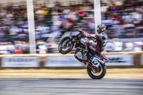 Die Stars der Indian Wrecking Crew und ihr Siegerbike Indian FTR750 begeistern beim Goodwood Festival of Speed